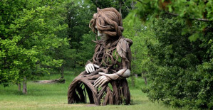 Enormous Sculptures Rooted in Nature Are Like Mystical Goddesses of Music Festivals